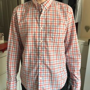 Slim fit button down top. Light weight